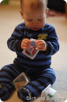 DIY Christmas Shakers for Babies