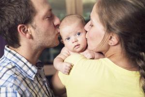 decline of happiness in motherhood